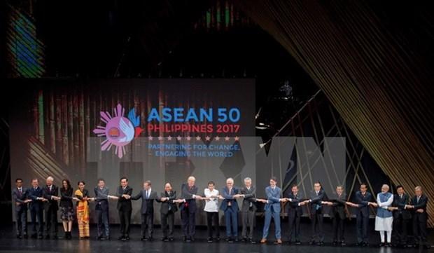 Les dirigeants de l'EAS soulignent l'importance du maintien de la paix en Mer Orientale hinh anh 1
