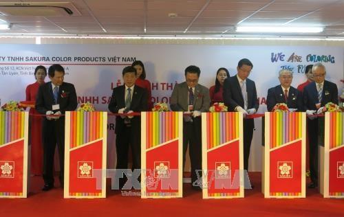 Inauguration d'une usine de stylos du groupe japonais Sakura a Binh Duong hinh anh 1