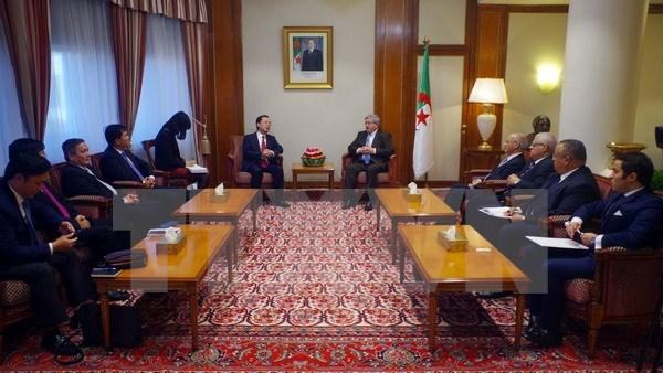 Le Vietnam veut approfondir ses relations commerciales avec l'Algerie hinh anh 1