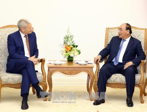 Le Premier ministre rencontre des chefs de groupes francais et australien hinh anh 2