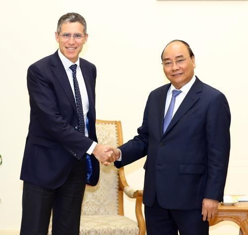 Le Premier ministre rencontre des chefs de groupes francais et australien hinh anh 1