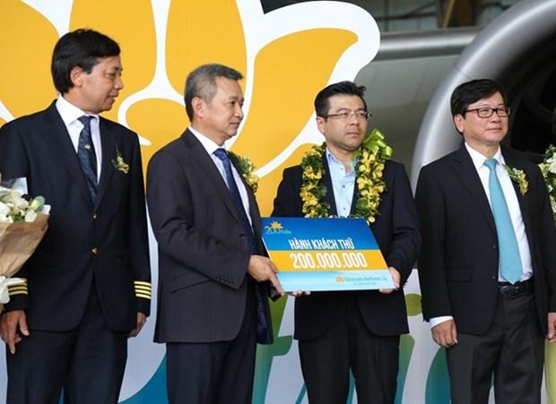 Vietnam Airlines recoit son 200e millionieme passager hinh anh 1