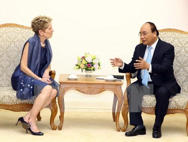Nguyen Xuan Phuc appelle les entreprises canadiennes a venir investir au Vietnam hinh anh 1
