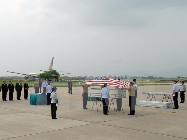 Hanoi : remise des restes de soldats americains portes disparus au Vietnam hinh anh 1