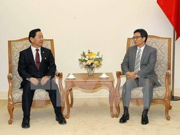Intensifier la cooperation vietnamo - sud-coreenne dans l'education hinh anh 1
