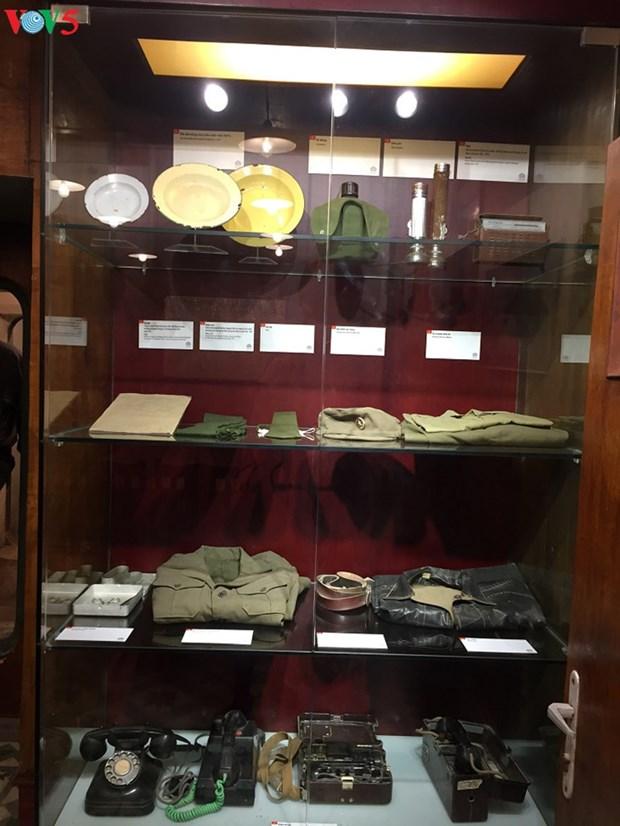 Vernissage d'une exposition sur « Dien Bien Phu aerien » a Hanoi hinh anh 1