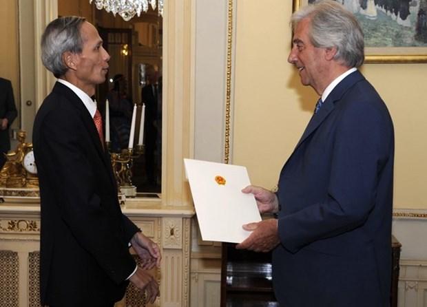 Renforcement des relations entre le Vietnam et l'Uruguay hinh anh 1