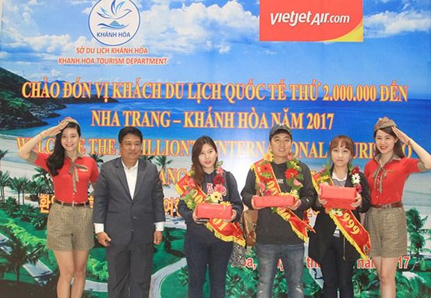 Khanh Hoa accueille son 2 millionieme visiteur etranger en 2017 hinh anh 1