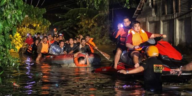 La tempete tropicale Tembin fait 208 morts et 164 disparus aux Philippines hinh anh 1