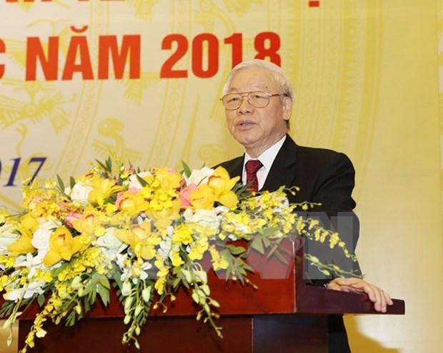 Le Premier ministre demande de deployer un plan global de developpement socio-economique en 2018 hinh anh 2