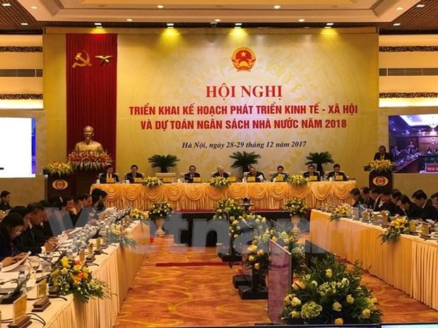 Le Premier ministre demande de deployer un plan global de developpement socio-economique en 2018 hinh anh 1