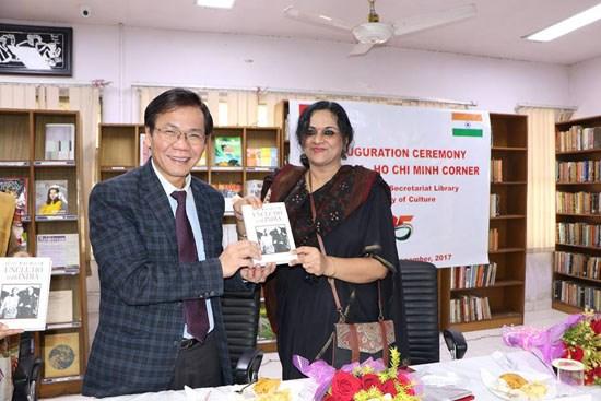 Ouverture de la premiere bibliotheque Vietnam-Ho Chi Minh en Inde hinh anh 1