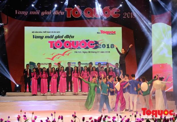 Programme artistique « Des melodies sur la Patrie retentissantes » a Hanoi hinh anh 1