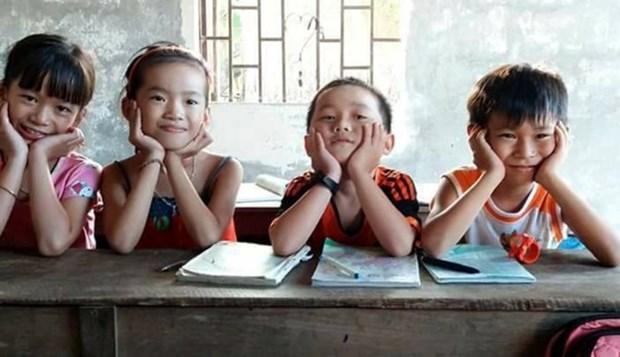 Plus 16,4 milliards de dongs en faveur des eleves demunis de provinces du Centre hinh anh 1