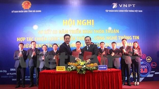 Ha Giang coopere avec le groupe VNPT pour construire une ville intelligente hinh anh 1