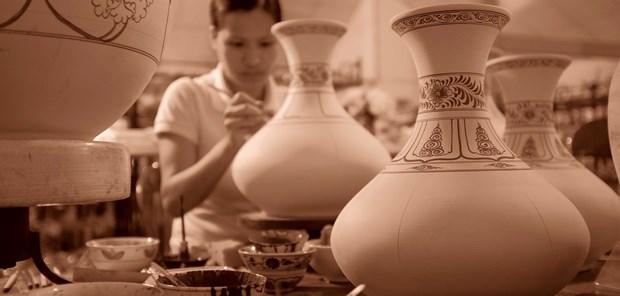 Bond des exportations nationales de produits ceramiques et porcelaines hinh anh 1
