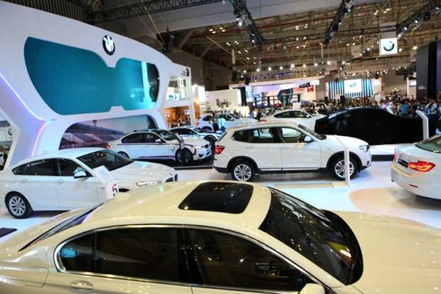 2018 : apre concurrence dans le segment des automobiles de luxe hinh anh 1