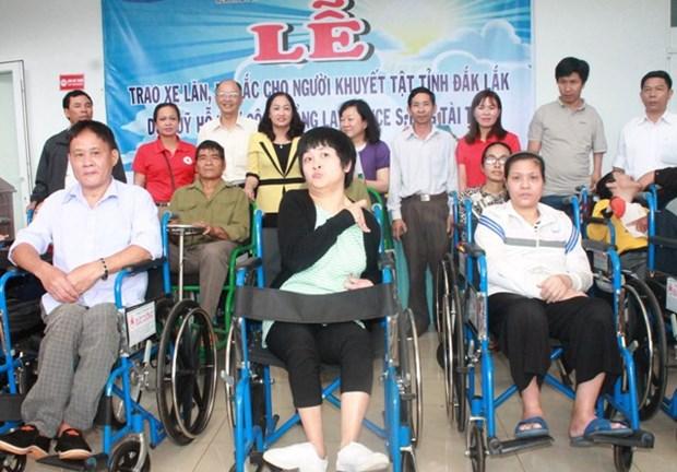 150 fauteuils roulants aux handicapes de la province de Dak Lak hinh anh 1