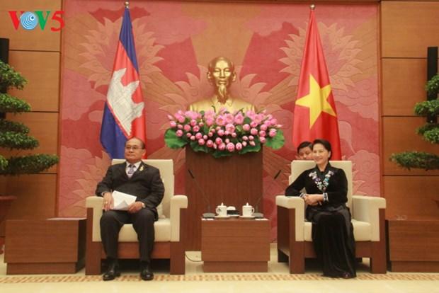 Nguyen Thi Kim Ngan recoit des dirigeants parlementaires du Cambodge et du Chili hinh anh 2