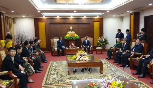 Une delegation laotienne en visite a Hoa Binh hinh anh 1