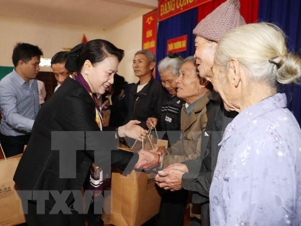 La presidente de l'Assemblee nationale rencontre des habitants de Ha Tinh hinh anh 1