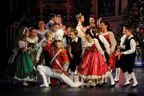 Bientot le premier ballet d'enfants au Vietnam hinh anh 1