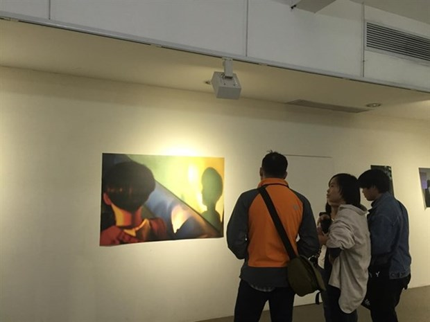 Une exposition d'art revele la vie des autistes hinh anh 1