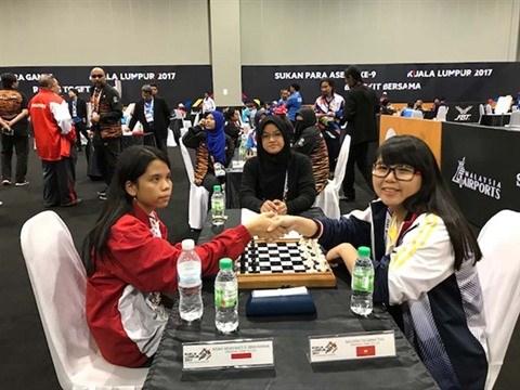 Une malvoyante brille au championnat d'echecs d'Asie du Sud-Est hinh anh 1