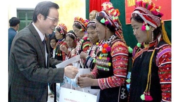Une delegation de l'AN a Lai Chau pour offrir des cadeaux a l'occasion du Tet hinh anh 1
