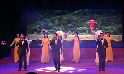 Programme artistique international en l'honneur du Nouvel an lunaire 2018 hinh anh 1