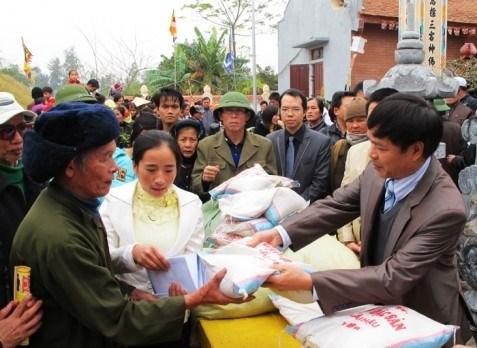 Aide en riz pour les familles dans le besoin a Ninh Thuan hinh anh 1