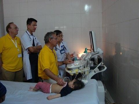 France - Vietnam : Amphore de nouveau en mission medicale a Hanoi hinh anh 1
