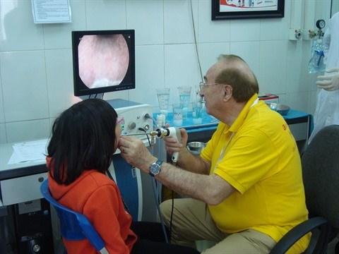 France - Vietnam : Amphore de nouveau en mission medicale a Hanoi hinh anh 2