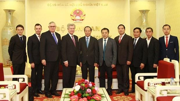 Le Vietnam et la France travaillent ensemble pour lutter contre les faux medicaments hinh anh 1