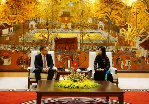 Hanoi renforcera sa cooperation avec Sofia dans divers secteurs hinh anh 1