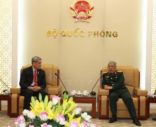 Le reglement des consequences de la guerre, secteur prioritaire de la cooperation Vietnam-Etats-Unis hinh anh 1