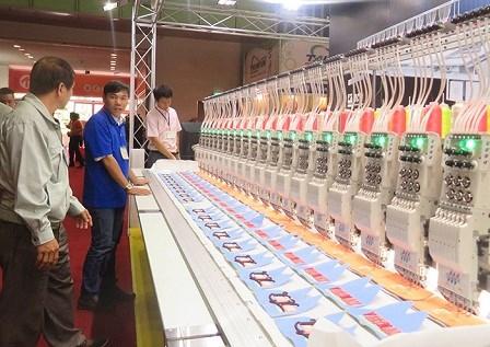 Nombre record d'entreprises participant au Saigontex 2018 hinh anh 1