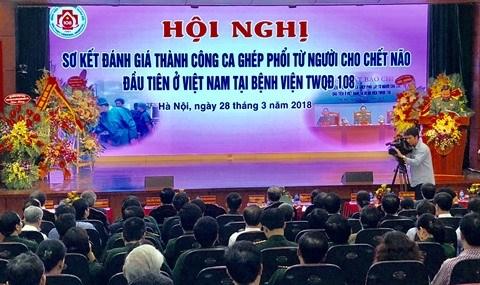 Greffe pulmonaire reussie, etape importante pour la medecine vietnamienne hinh anh 1
