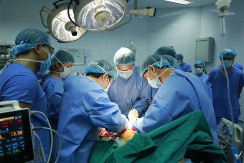 Greffe pulmonaire reussie, etape importante pour la medecine vietnamienne hinh anh 2