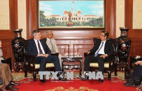 Ho Chi Minh-Ville souhaite intensifier sa cooperation avec la Roumanie hinh anh 1