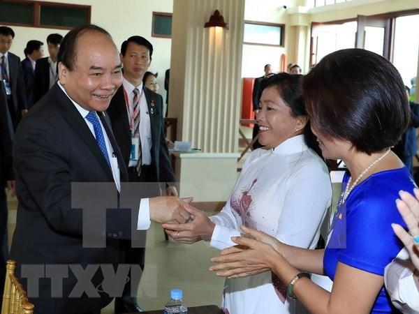 Le PM Nguyen Xuan Phuc rencontre la communaute des Cambodgiens d'origine vietnamienne hinh anh 1