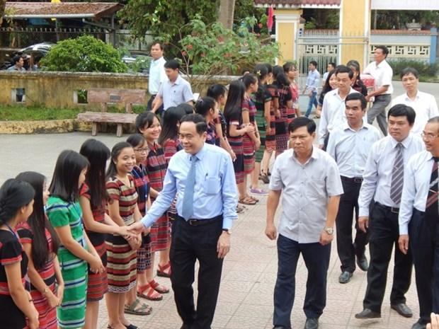 Le president du CC du FPV visite l'ecole internat pour les minorites ethniques de Thua Thien-Hue hinh anh 1