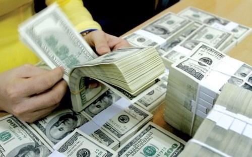 Plus de 1,12 milliard de dollars de devises transferees a HCM-Ville au 1er trimestre hinh anh 1