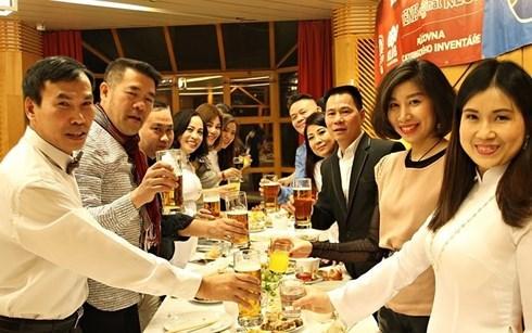 Les Vietnamiens en Republique tcheque s'integrent bien dans la vie locale hinh anh 1