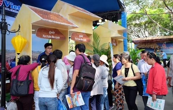 Plus de 83 milliards de dongs de recettes a la Fete du tourisme de HCM-Ville hinh anh 1