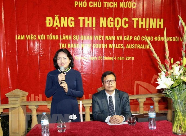 La vice-presidente Dang Thi Ngoc Thinh rencontre des Vietnamiens a Sydney hinh anh 1