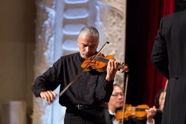 Le violoniste Stephane Tran Ngoc en concert a Ho Chi Minh-Ville hinh anh 1