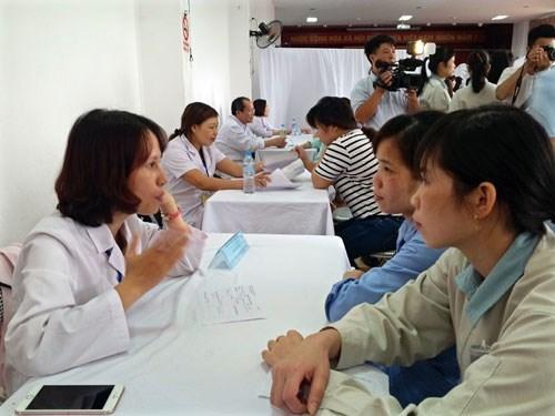 Consultations medicales gratuites pour les travailleurs hinh anh 1