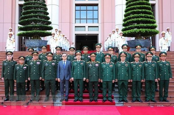 Promouvoir la cooperation Vietnam – Laos dans la defense hinh anh 2