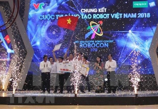 L'Universite Lac Hong domine le concours Robocon Vietnam 2018 hinh anh 1